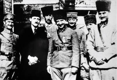 https://www.tarihiolaylar.com/img/tarihiolaylar/ismet_inonu_mutareke.jpg